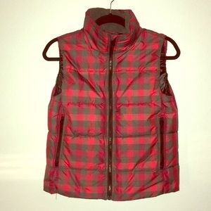 GAP Red&Gray Plaid Puffer Zip-up Vest!